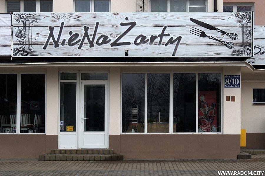 Radom. NieNaŻarty - nowy lokal gastronomiczny przy ulicy Niedziałkowskiego.