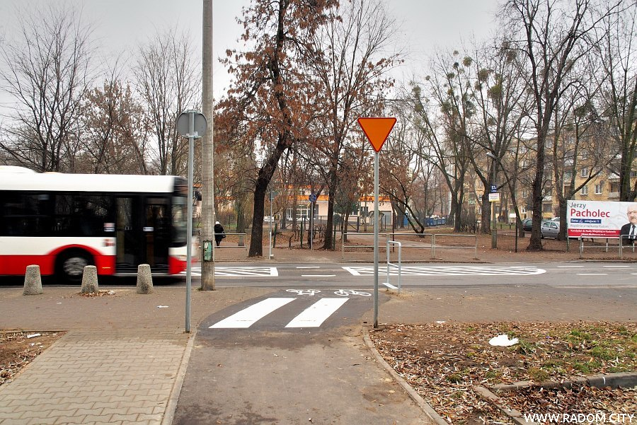 Radom. Przejazd rowerowy przez ul. Struga.