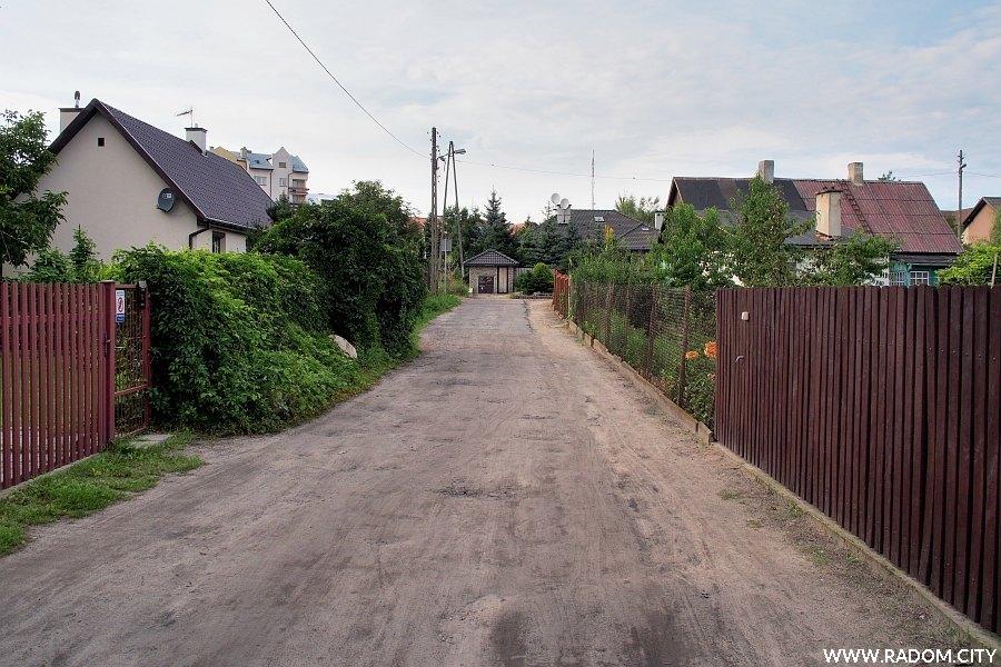 Radom. Ulica Podhalańska, widok w stronę ul. Garbarskiej.