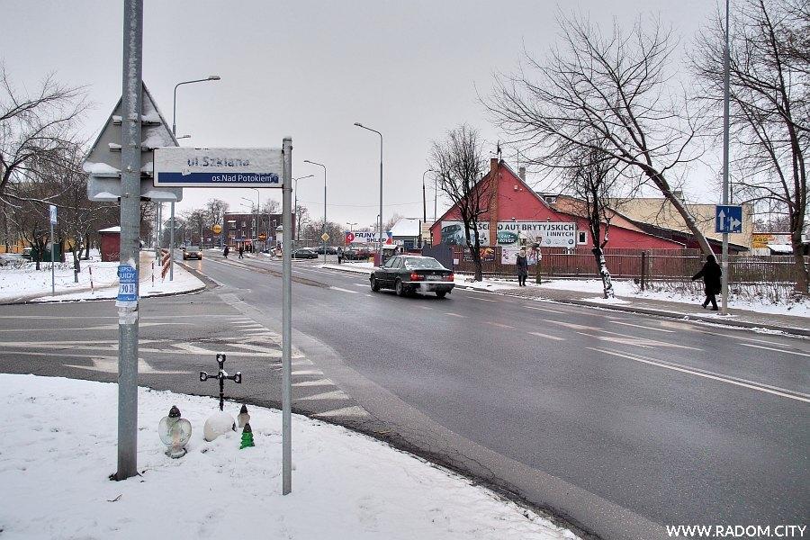 Radom. Skrzyżowanie ulic Struga i Szklanej.