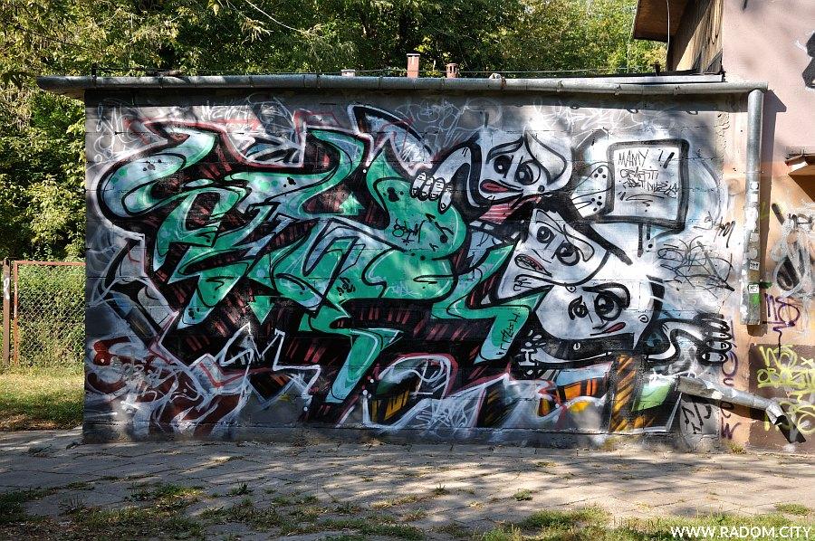 Radom. Graffiti na budynku anfiteatru.NWW