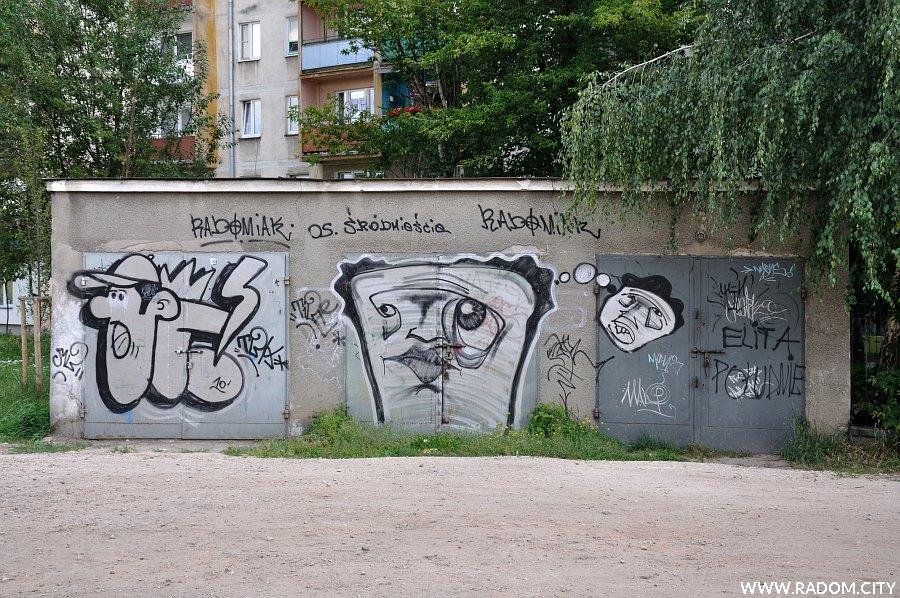 Radom. Graffiti - garaże przy Struga.