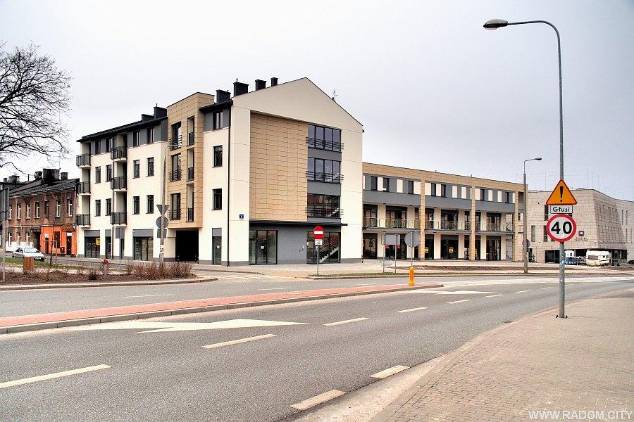 Radom. Nowe budynki - róg Wernera i Koszarowej.