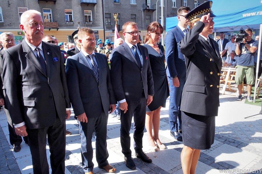 Radom. Pomnik 72 Pułku Piechoty - odsłonięcie.