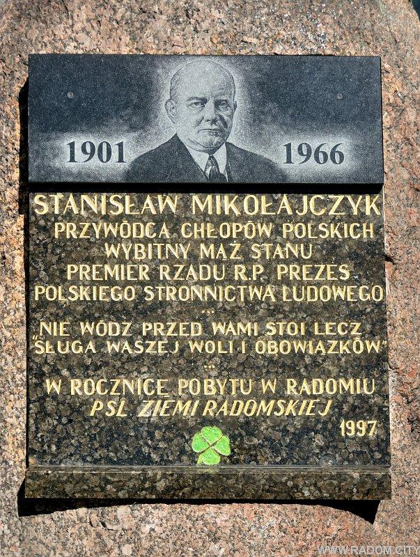 Radom. Pomnik Stanisława Mikołajczyka.