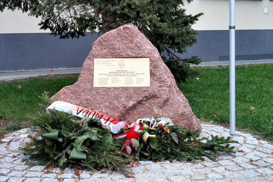 Radom. Pomnik powstańców styczniowych.
