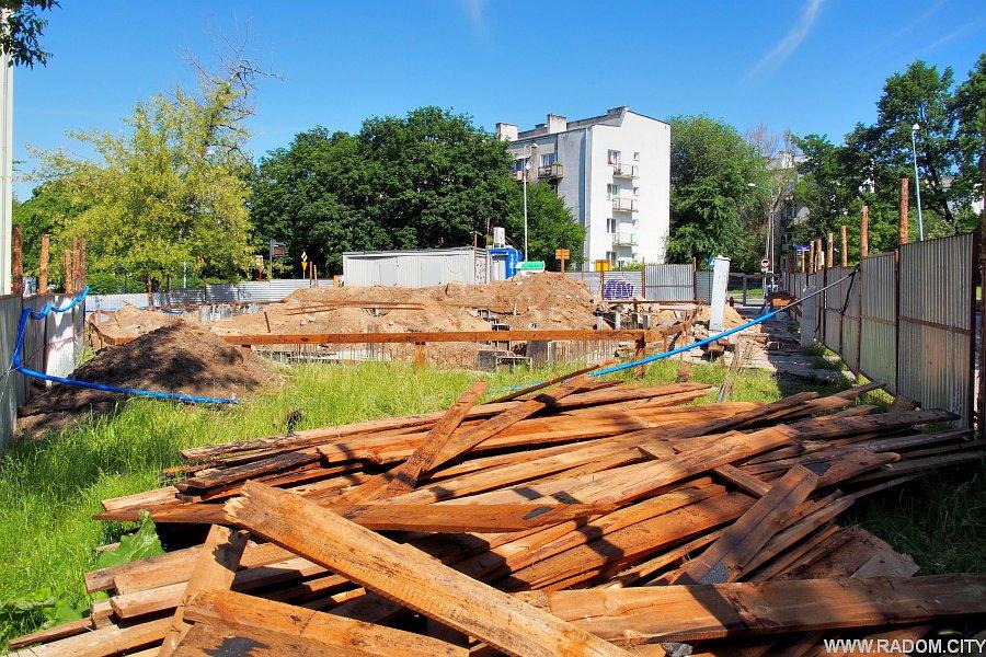 Radom. Budowa Witaminy przy Struga.